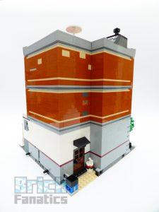 LEGO Creator Expert 10264 Corner Garage 3 1 225x300