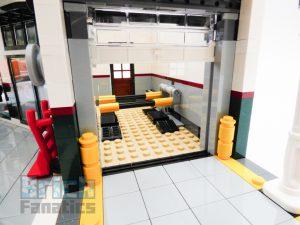 LEGO Creator Expert 10264 Corner Garage 31 1 300x225