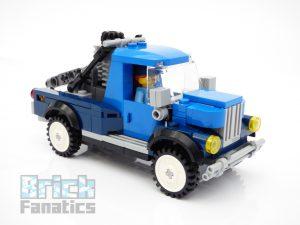 LEGO Creator Expert 10264 Corner Garage 32 1 300x225