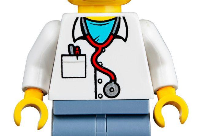 LEGO Creator Expert 10264 Corner Garage 36 659x445