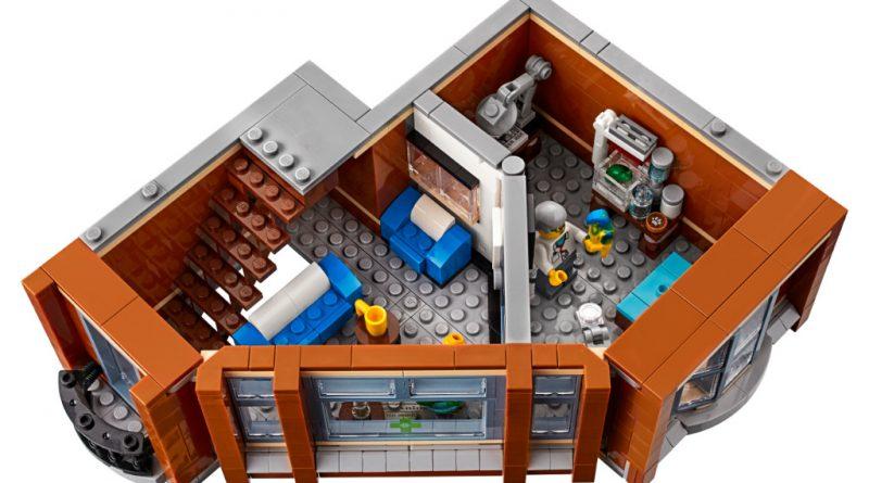 LEGO Creator Expert 10264 Corner Garage 41 800x445