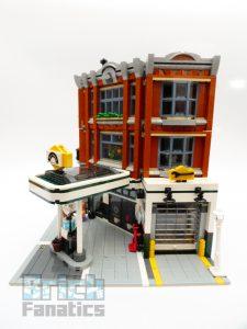 LEGO Creator Expert 10264 Corner Garage 5 1 225x300