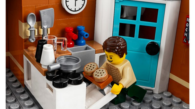 LEGO Creator Expert 10264 Corner Garage 51 800x445