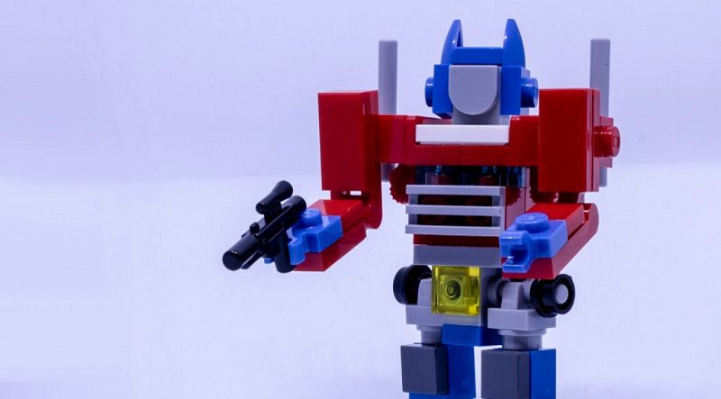 LEGO Optimus Prime Featured 800 445 800x443