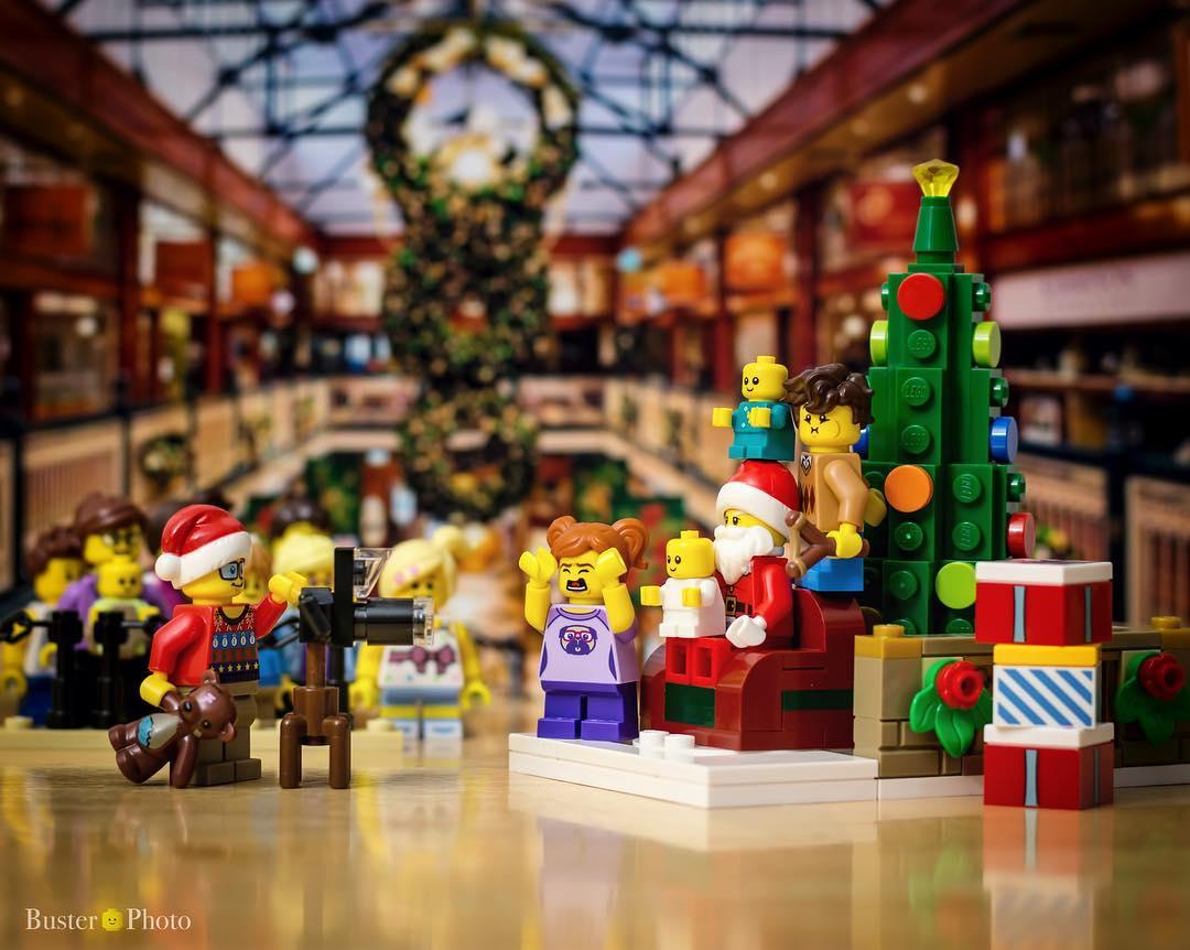 LEGO Santa Mall