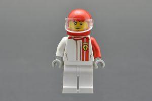 LEGO Speed Champions 75890 Ferrari F40 Competizione 10 300x199