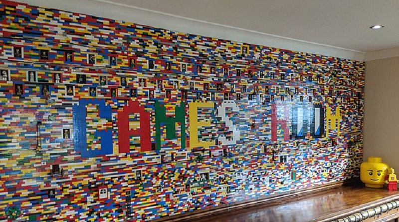 LEGO Brick Wall Featured 800 445