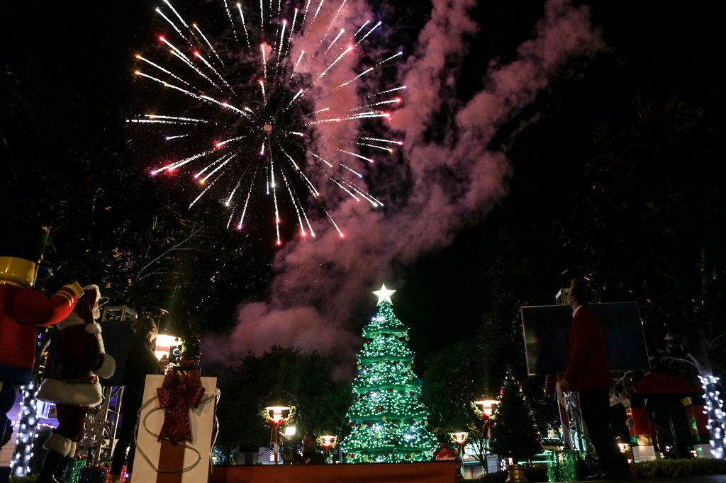 LEGOLAND Christmas Lights Jodie Sweetin 1024x682
