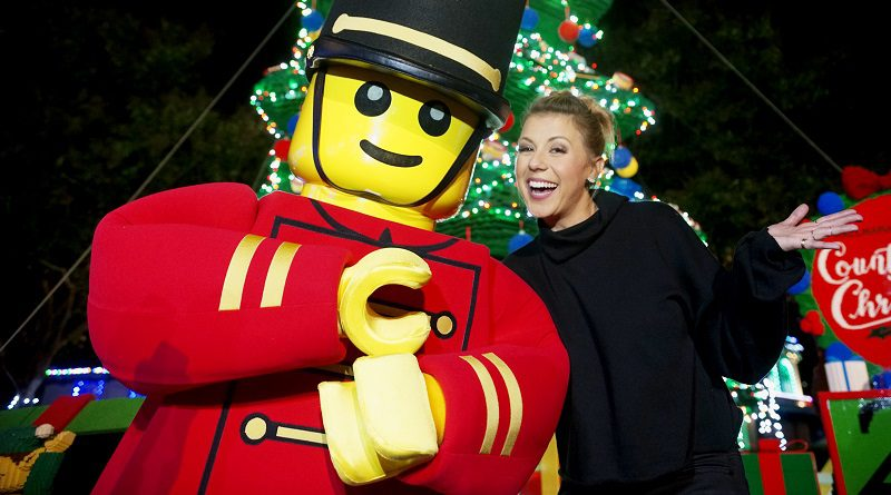 LEGOLAND Christmas Lights Jodie Sweetin Featured 800 445 800x445