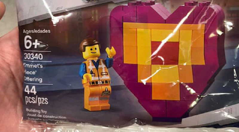 The LEGO Movie 2 30340 Emmets Piece Offering featured 800 445