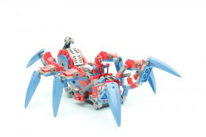 76114 Spider Man s Spider Crawler 1