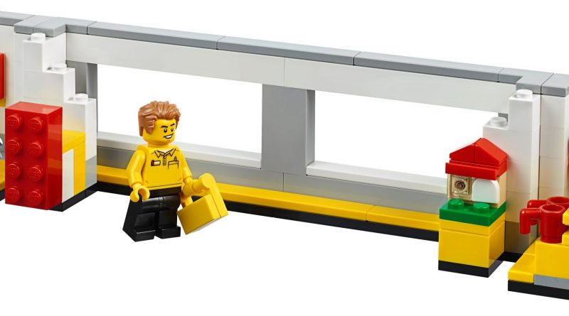 LEGO 40359 LEGO Store Picture Frame 1 800x445