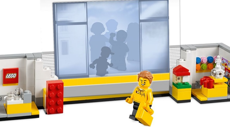 LEGO 40359 LEGO Store Picture Frame Featured 800 445