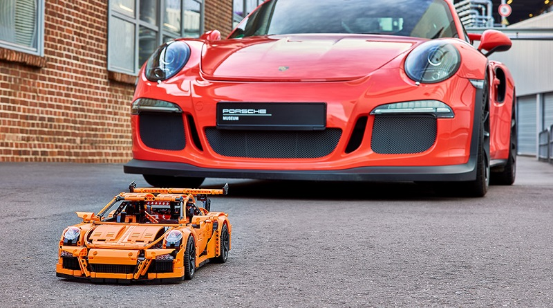 LEGO Technic Porsche 911 Final Featured 800 445