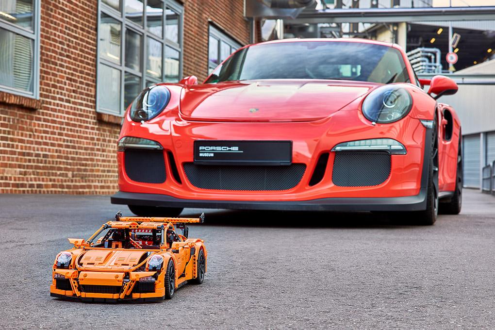 LEGO Technic Porsche 911 Final