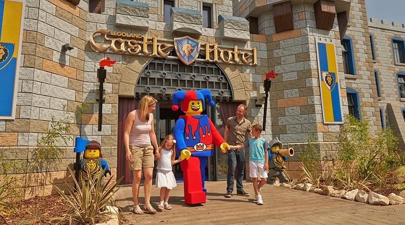 LEGOLAND Castle Hotel သည် 800 ၄၄၅ ဖြစ်သည်