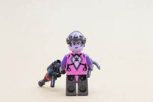 LEGO Overwatch 75970 Tracer Vs Widowmaker Review 6 300x200