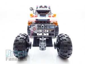 The LEGO Movie 2 70829 Emmet And Lucy Escape Buggy 13 300x225