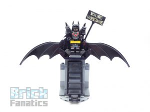 The LEGO Movie 2 70836 Battle Ready Batman Metalbeard 5 300x225