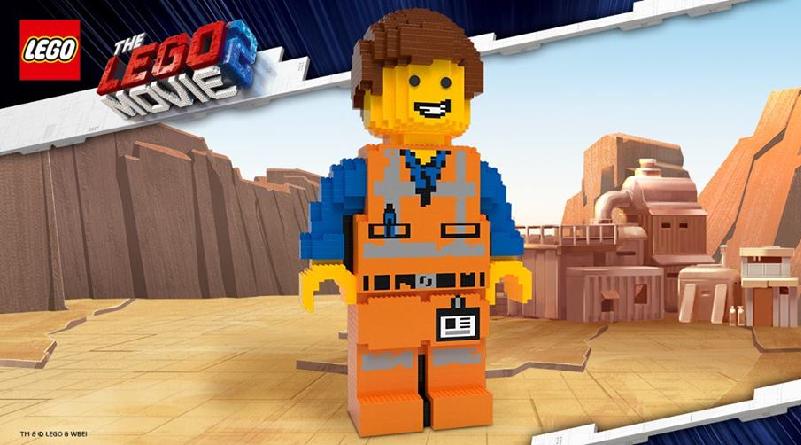 The LEGO Movie 2 Store Emmet Staue Featured 800 445
