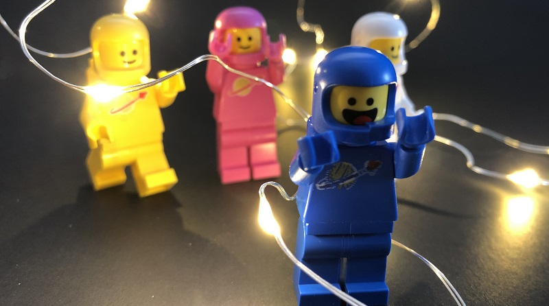 Brick Pic Space Lights Featured 800 445