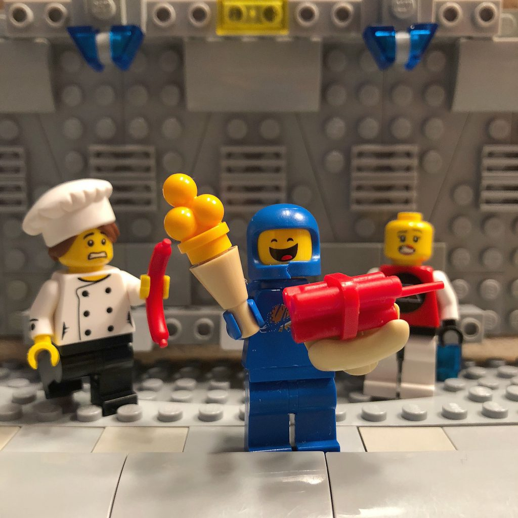 Brick Pic Space Hot Dog 1024x1024