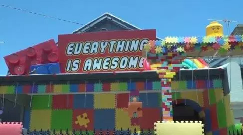 Everything Is Awesome Party 800x445