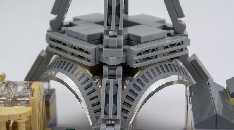 LEGO Architecture Paris Featured 2 800 445