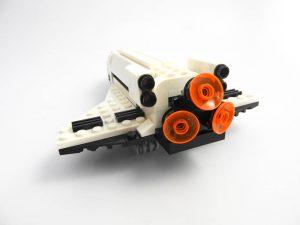 LEGO Creator Expert 31091 Shuttle Transporter 6 of 10