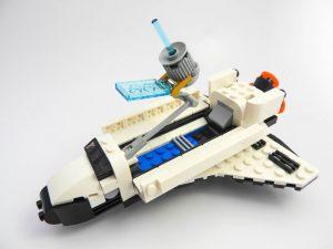 LEGO Creator Expert 31091 Shuttle Transporter 9 of 10