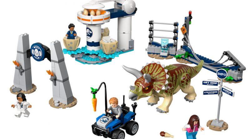 LEGO Jurassic World 75937 Triceratops Rampage 800x445