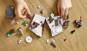 LEGO Star Wars 75236 Duel On Starkiller Base 2 300x176