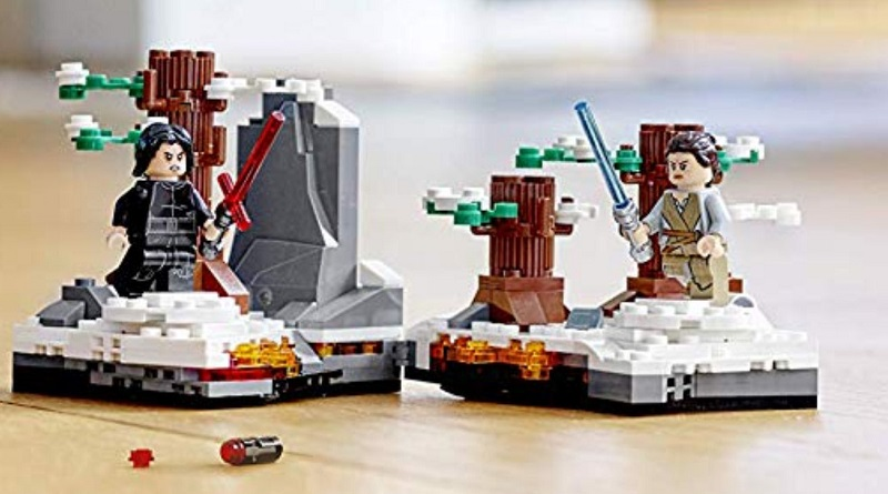 LEGO Star Wars 75236 Duel On Starkiller Base featured 800 445