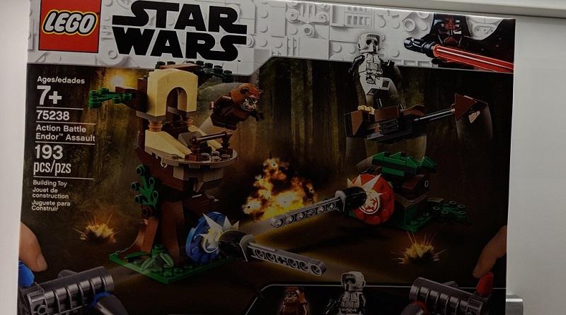 LEGO Star Wars 75238 Action Battle Endor Assault Featured 800 445