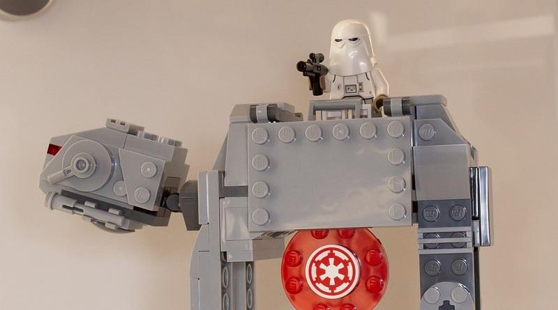 LEGO Star Wars 75241 Featured 800 445