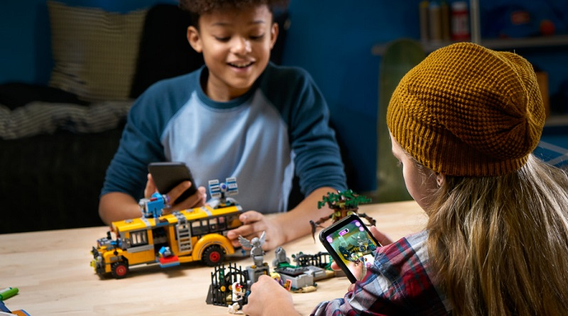 LEGO The Hidden featured 2 800 445