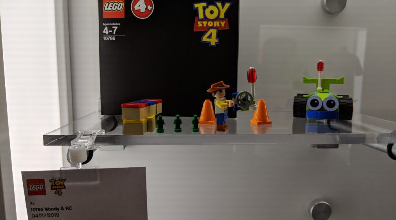 LEGO Toy Story 4 10766 Woody And RC 800x445