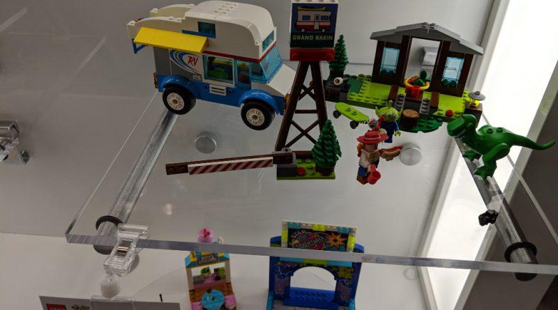 LEGO Toy Story 4 10769 RV Vacation 800x445