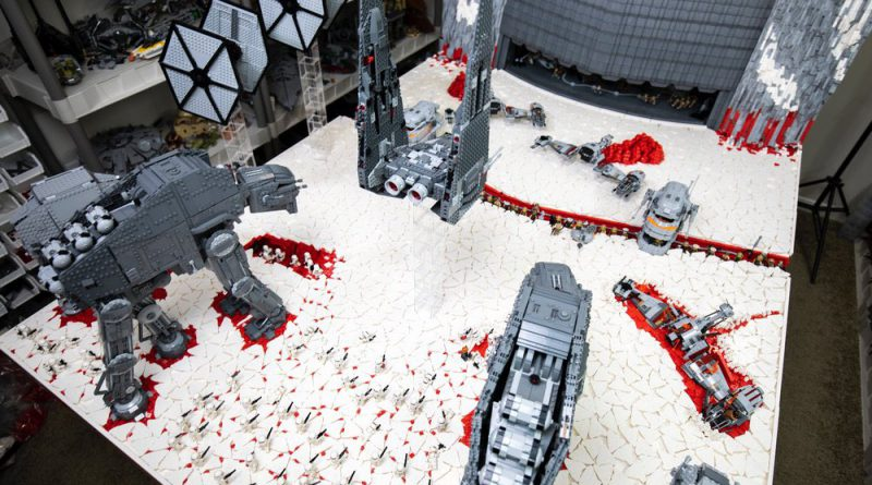 Star Wars LEGO Battle Of Crait 2 800x445