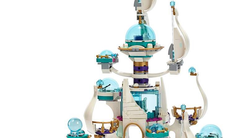 The LEGO Movie 2 70838 Queen Watevras So Not Evil Space Palace 742x445