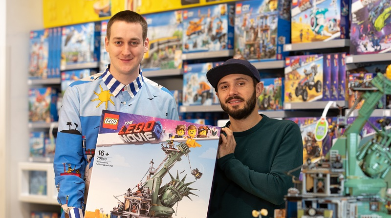 The LEGO Movie 2 Welcome To Apocalypseburg Designers Featured 2 800 445