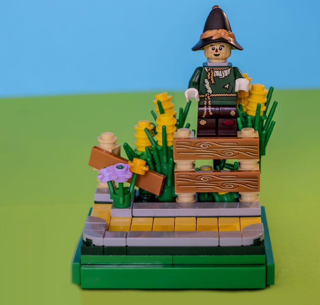 Scarecrow Vignette Square 1024x976