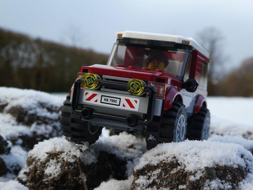 Brick Road Car Snow 1024x768