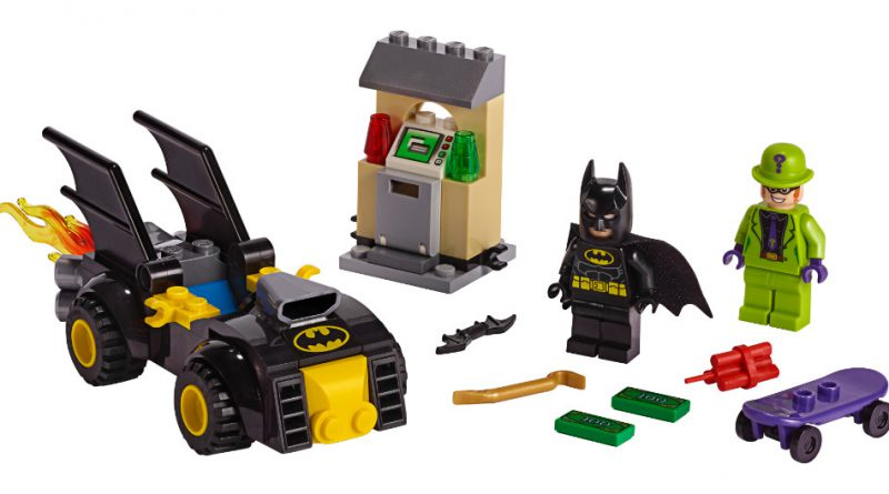 LEGO Batman 76137 Batman Vs The Riddler Robbery 800x445