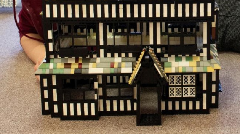 LEGO Black And White Museum Featured 800 445