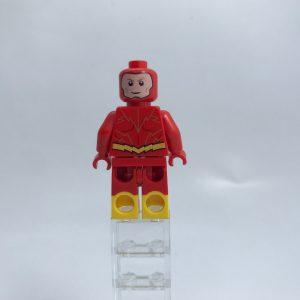 LEGO DC Super Heroes 76117 Batman Mech Vs Poison Ivy Mech 10 300x300