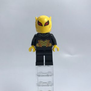 LEGO DC Super Heroes 76117 Batman Mech vs Poison Ivy mech 13