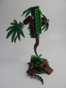 LEGO DC Super Heroes 76117 Batman Mech vs Poison Ivy mech 16