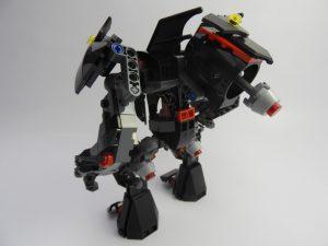 LEGO DC Super Heroes 76117 Batman Mech Vs Poison Ivy Mech 6 300x225