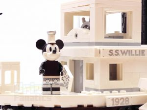 LEGO Ideas 21317 Steamboat Willie 29 300x225